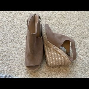 Merona wedges size 9 peep toe